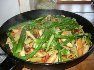 Pasta with Asparagus, mushrooms and bacon a