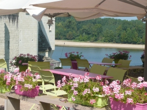 Restaurant on the Loire
