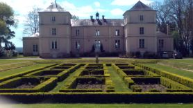 "Chateaux de Fesles, Grand Vin de Loire winemakers known to be the Yquem of the Loire Valley,  fronted by its Italianate rose gardens. This wine appellation has the benefit of a temperate but dry oceanic climate known as the ""Angevin sweetness"". The winemaker is Jean Pierre SAUVION."